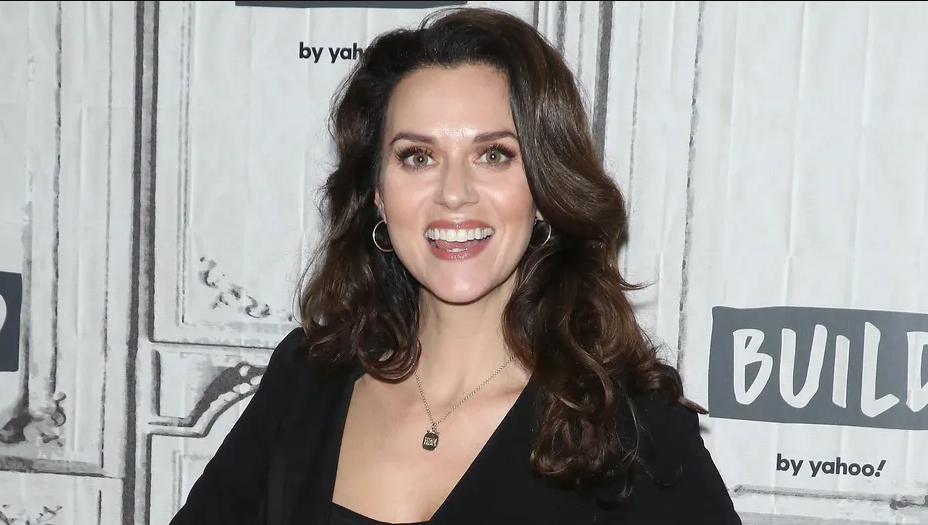 Hilarie Burton Phone Number, Fanmail Address and Contact Details